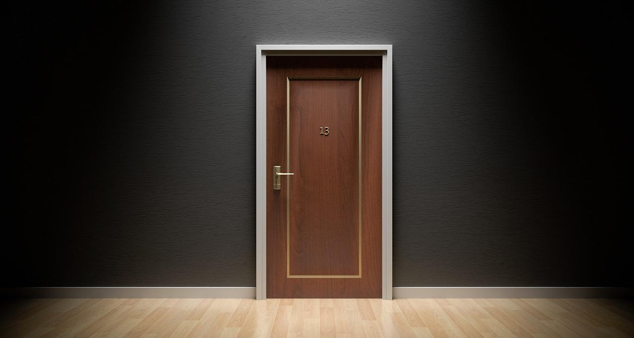 Kültéri biztonsági ajtó,